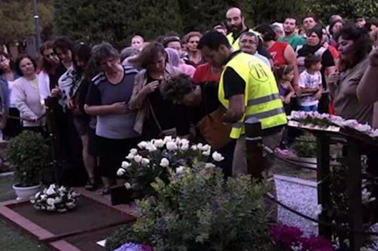 Χιλιάδες πιστοί χωρίς αποστάσεις πήγαν να προσκυνήσουν τον Άγιο Παΐσιο   tanea.gr