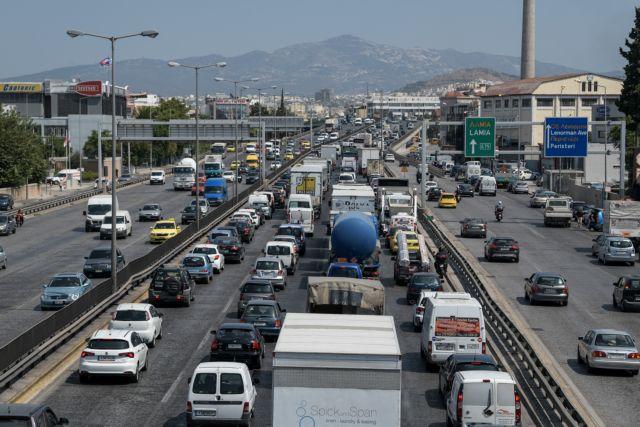 Χαμηλές ταχύτητες στον Κηφισό λόγω τροχαίου | tanea.gr