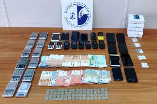 Εντοπίστηκαν ναρκωτικά σε σπίτι στη Μύκονο – Πέντε συλλήψεις αλλοδαπών | tanea.gr