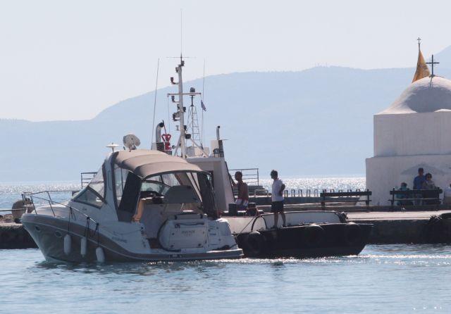 Οπλα, πυρομαχικά και λαθραία καπνικά προϊόντα εντοπίστηκαν σε ταχύπλοο στα Χανιά | tanea.gr