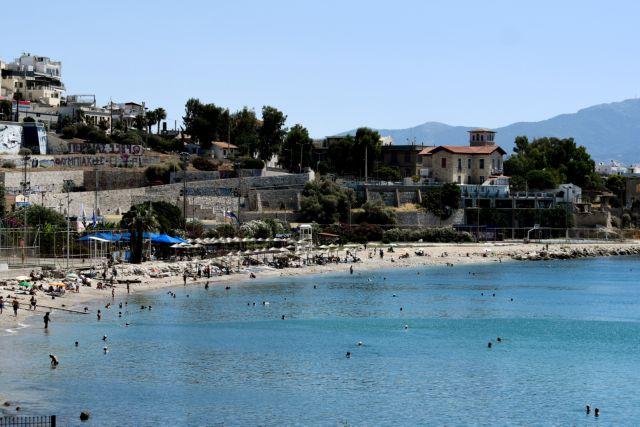 Κοροναϊός: Με μηδενικά μέτρα προστασίας ο κόσμος στις παραλίες | tanea.gr