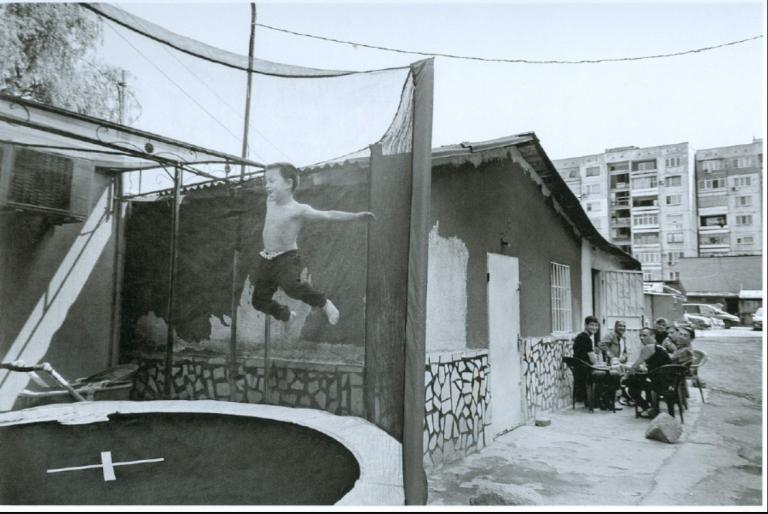 «Τα Βαλκάνια της συμφιλίωσης»: Μια μοναδική έκθεση στο σπίτι της «Σχεδίας» | tanea.gr