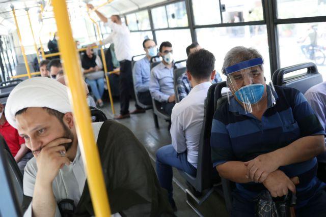 Επικίνδυνες οι ασπίδες προσώπου όταν δεν συνδυάζονται με μάσκα  - Το ελβετικό παράδειγμα προς αποφυγή | tanea.gr