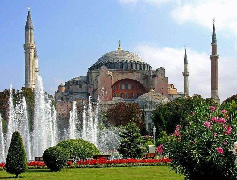 Αγια-Σοφιά: Ούτε βήμα πίσω η Τουρκία – «Και τζαμί και μουσείο» | tanea.gr