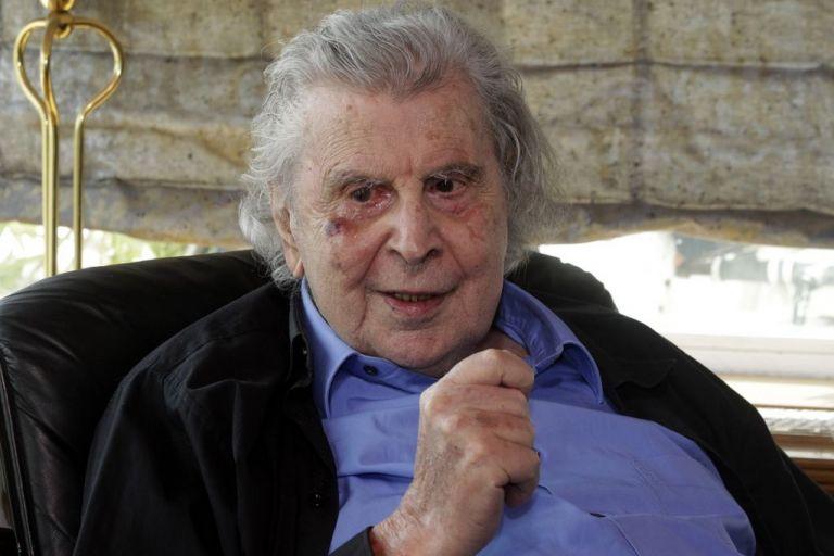 Συναυλία για τα 95α γενέθλια του Μίκη Θεοδωράκη στην πλατεία Θησείου | tanea.gr
