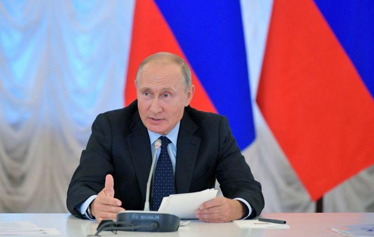 Ρωσία : Για νοθεία κατηγορούν τον Πούτιν οι επικριτές του | tanea.gr