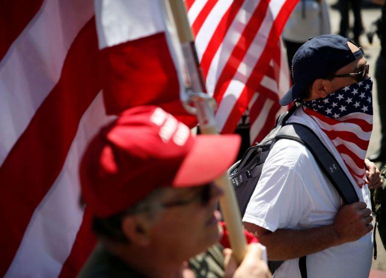 Τρόμος στις ΗΠΑ – Ακροδεξιοί εξτρεμιστές «ρίχνουν» τα αυτοκίνητά τους πάνω σε διαδηλωτές   tanea.gr