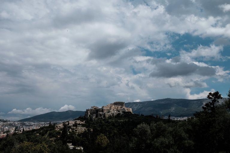 Τρελάθηκε ο καιρός: Βροχές με 37άρια το Σάββατο | tanea.gr