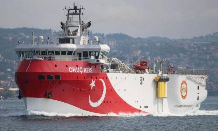 Oruc Reis: Εικόνες από το τουρκικό ερευνητικό που παραμένει ανοιχτά της Αττάλειας   tanea.gr