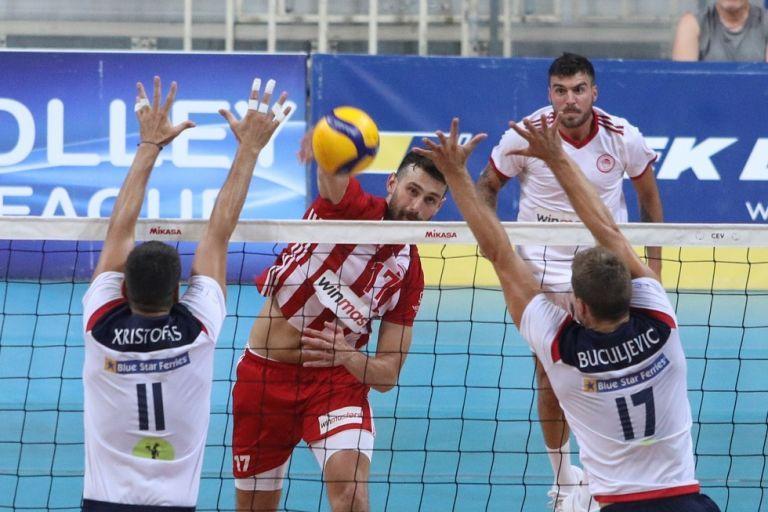 Με περίπατο στον τελικό ο Ολυμπιακός (3-0) | tanea.gr