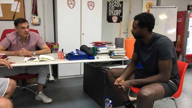 Ολυμπιακός: Συνάντηση Μπαρτζώκα – Σπανούλη με τον νεοαποκτηθέντα Ζαν Σαρλ | tanea.gr