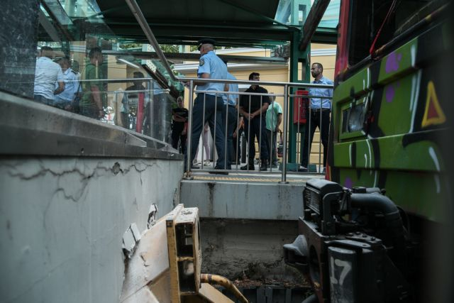 Εικόνες από το σημείο του ατυχήματος στον ΗΣΑΠ στην Κηφισιά   tanea.gr