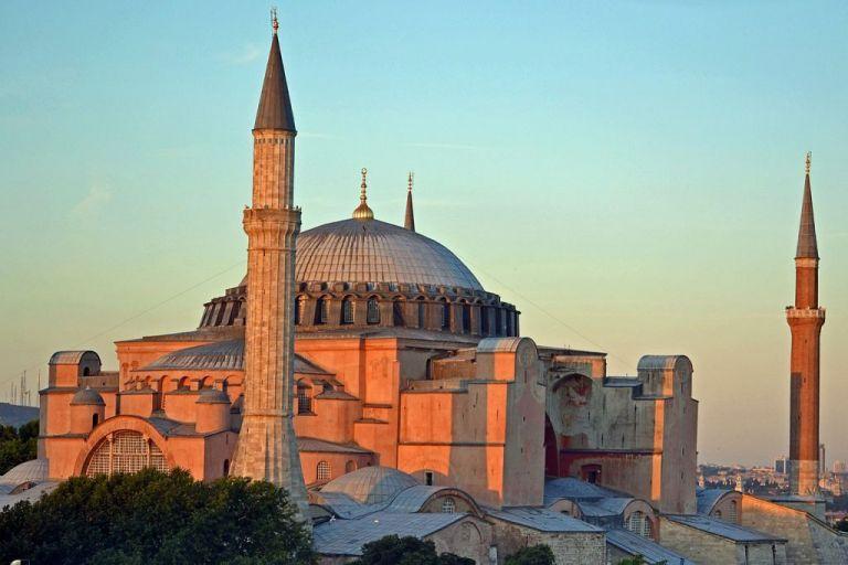 Οι τουρκικές φόρμουλες για να μετατραπεί η Αγια-Σοφιά σε τζαμί - Χαστούκι στον Ερντογάν από UNESCO   tanea.gr