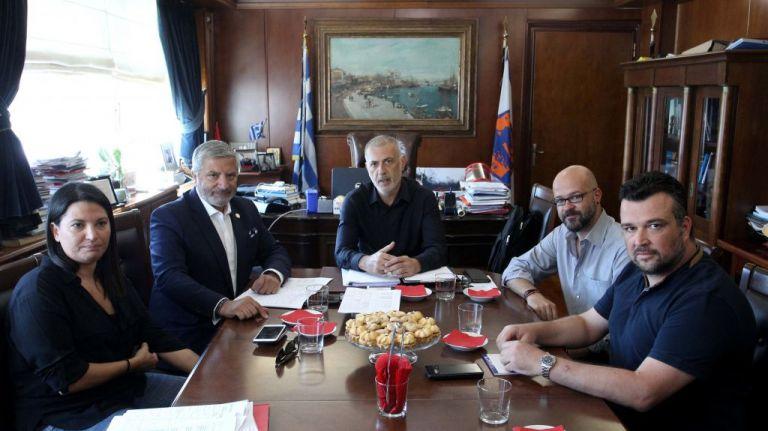 Συνάντηση Μώραλη – Πατούλη για τα μεγάλα έργα στον Πειραιά | tanea.gr