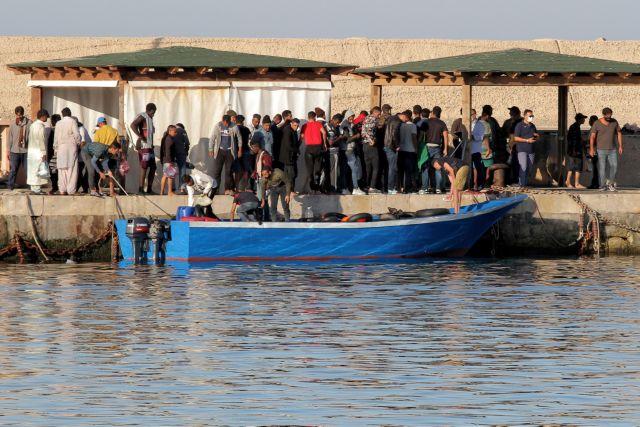 Πάνω από 1.000 πρόσφυγες στη Λαμπεντούζα – Ο δήμαρχος ζήτησε να κηρυχθεί σε κατάσταση έκτακτης ανάγκης   tanea.gr