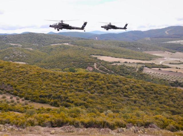 Ομόφωνα αθώοι Λιακουνάκος, Τραυλός και πρώην αξιωματικοί για την υπόθεση των ελικοπτέρων Apache | tanea.gr
