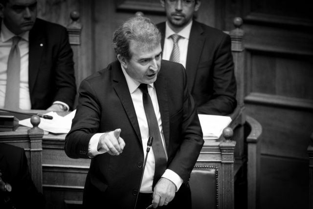 Χρυσοχοΐδης: Ο νόμος για τις διαδηλώσεις θα εφαρμοστεί και θα εκπαιδευτεί και η αστυνομία   tanea.gr