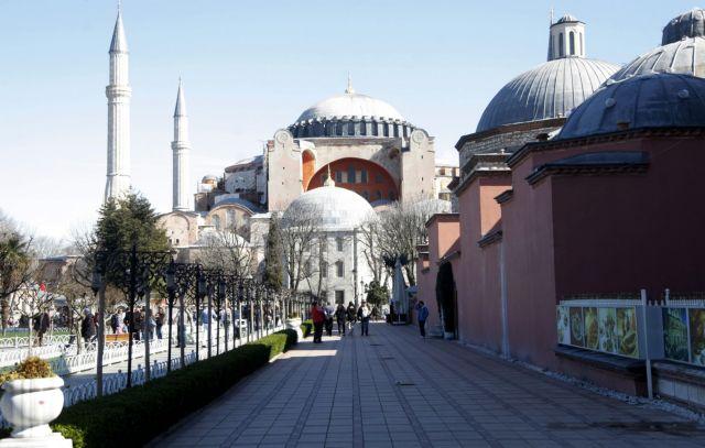 Πένθιμες καμπάνες σε όλες τις Εκκλησίες της Κρήτης για την Αγία Σοφία | tanea.gr