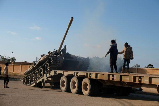 Ανάφλεξη στη Λιβύη: Ο Σάρατζ καταγγέλλει αεροπορική επίθεση από δυνάμεις που στηρίζουν τον Χαφτάρ | tanea.gr