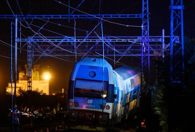 Τσεχία: Δεκάδες τραυματίες από σύγκρουση τρένων κοντά στην Πράγα | tanea.gr
