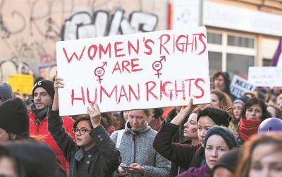 Οι γυναίκες τα πρώτα θύματα της πανδημίας σύμφωνα με το ΔΝΤ | tanea.gr
