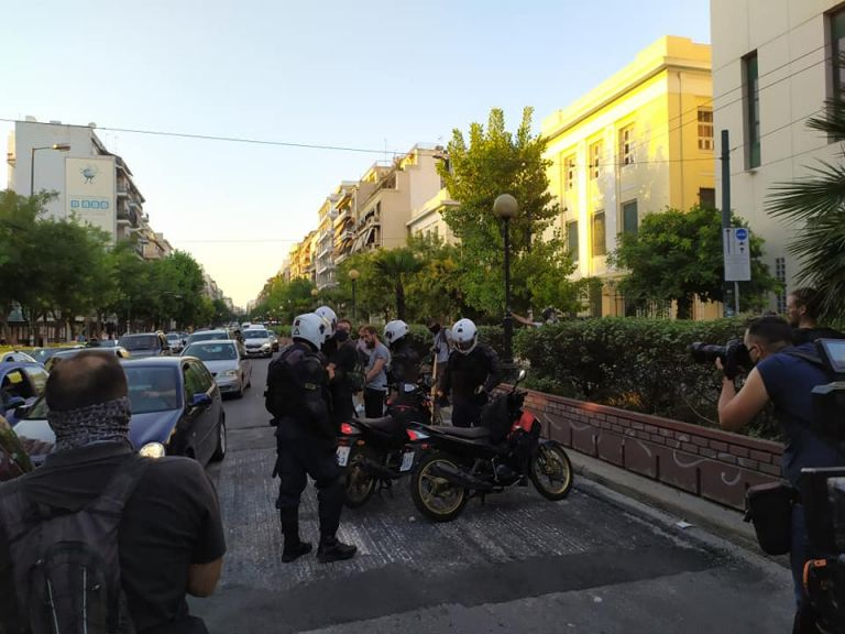 Η απάντηση της ΕΛ.ΑΣ για το βίντεο στην Πατησίων: Το μηχανάκι ήταν της ομάδας ΔΡΑΣΗ | tanea.gr