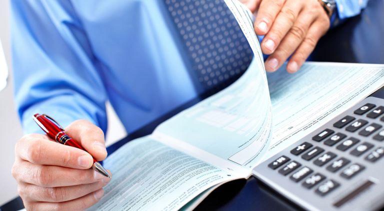 Φορολογικές δηλώσεις: Πώς θα πετύχετε την έκπτωση του 2% - Τι αλλάζει στις προθεσμίες πληρωμής | tanea.gr