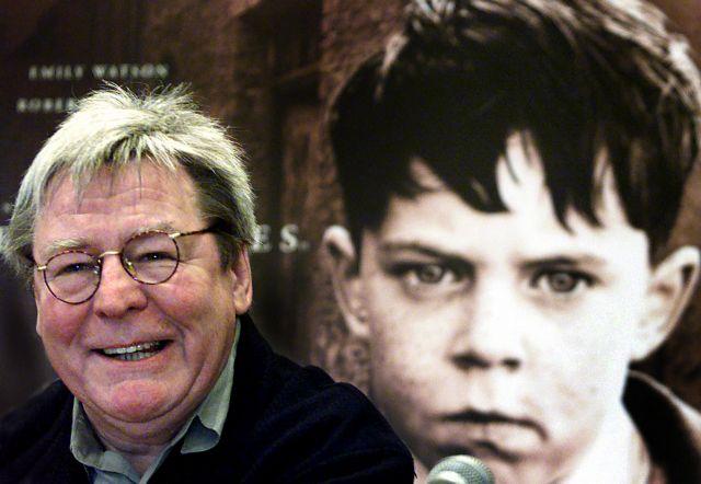 Πέθανε ο σκηνοθέτης Άλαν Πάρκερ   tanea.gr