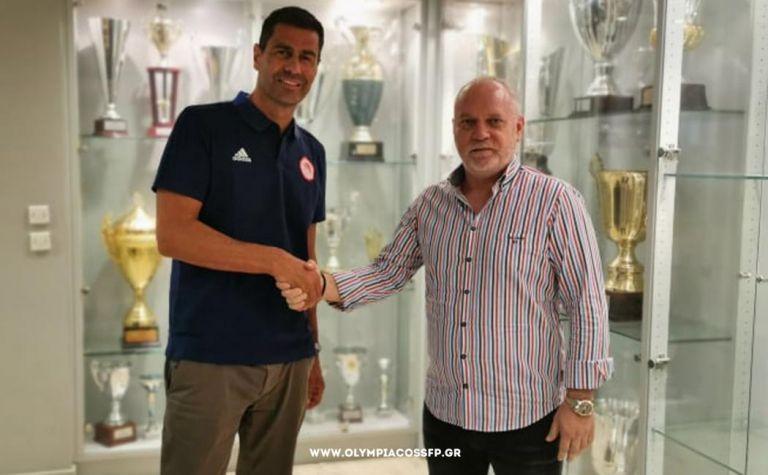 Νέος προπονητής της ομάδας βόλεϊ του Ολυμπιακού ο Δημήτρης Καζάζης   tanea.gr
