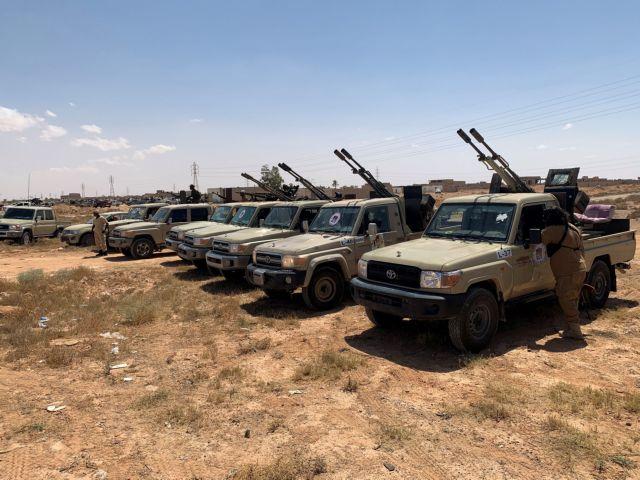 Τύμπανα πολέμου στη Λιβύη : Στρατός του Σάρατζ κινείται προς τη Σύρτη   tanea.gr