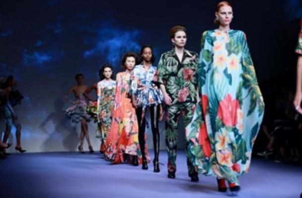 Εβδομάδα Μόδας Λονδίνου: Επιστρέφει με ζωντανά fashion show | tanea.gr