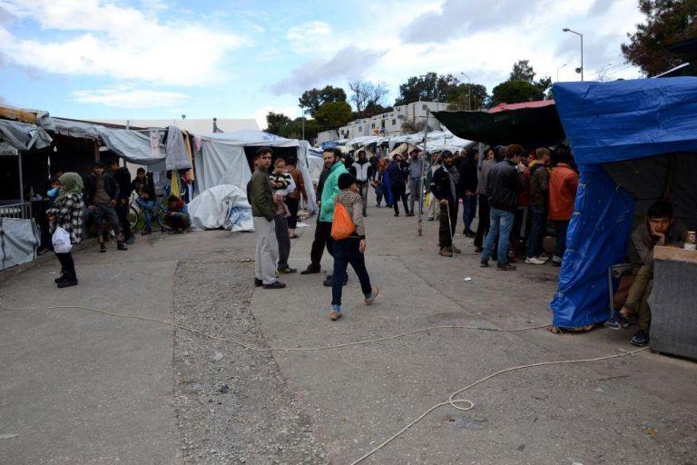 Παρατείνονται τα μέτρα περιορισμού κυκλοφορίας στις δομές προσφύγων   tanea.gr