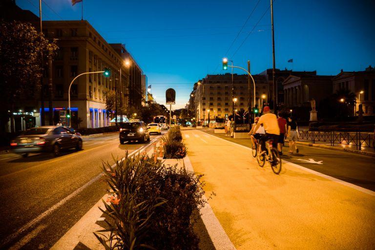 Με προσωρινό ποδηλατόδρομο στη Γ΄ Σεπτεμβρίου η Πανεπιστημίου θα γεμίσει ποδήλατα   tanea.gr