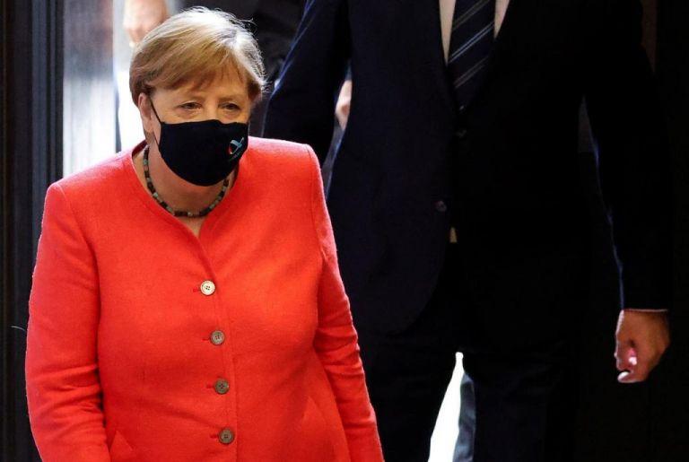 Γερμανία: Η Μέρκελ... μασκοφόρος για πρώτη φορά | tanea.gr