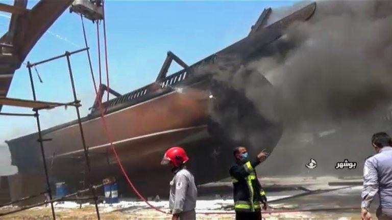 Παρανάλωμα του πυρός επτά πλοία σε λιμάνι του Ιράν | tanea.gr