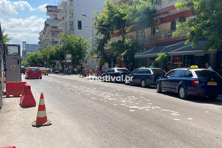 Θεσσαλονίκη: Αντιεξουσιαστές πέταξαν τρικάκια έξω από το τουρκικό προξενείο | tanea.gr