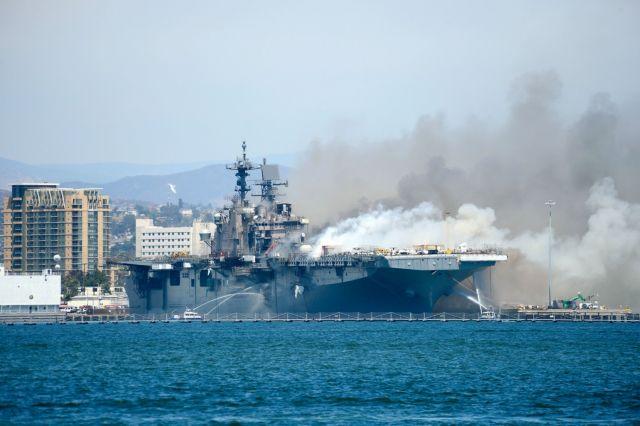Εκρηξη και μεγάλη φωτιά σε πολεμικό πλοίο των ΗΠΑ –  21 τραυματίες | tanea.gr