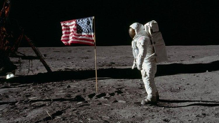 Ιούλιος 1969: Οι Αμερικανοί κερδίζουν τη μάχη για την άλωση του διαστήματος   tanea.gr