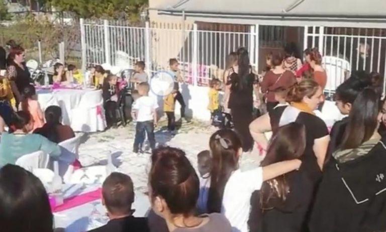 Θεσσαλονίκη: Γλέντι Ρομά εν μέσω κοροναϊού | tanea.gr