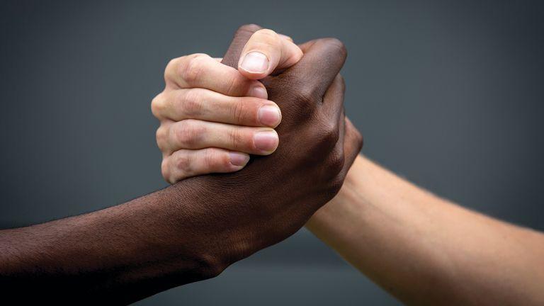 Πέντε Αφροέλληνες μιλούν για τον ρατσισμό στην Ελλάδα   tanea.gr
