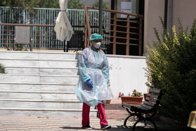 Προβληματίζει η έξαρση των κρουσμάτων στα γηροκομεία – Τι εξετάζεται | tanea.gr