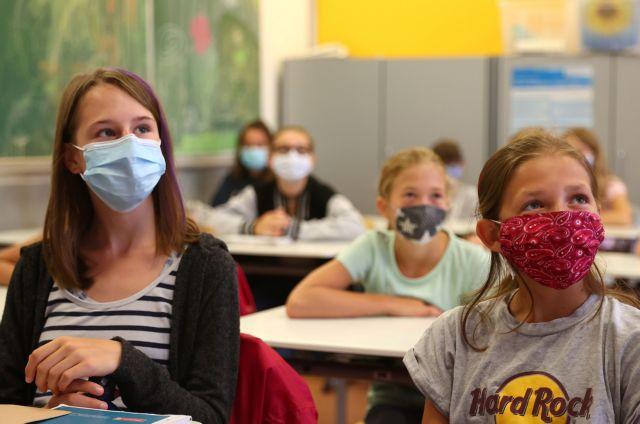 Παιδιατρική εταιρεία: Γιατί τα παιδιά πρέπει να φορέσουν μάσκα στο σχολείο | tanea.gr