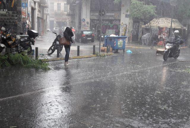 Ξεκίνησε η επέλαση της «Θάλειας»: Σφοδρή χαλαζόπτωση στην Κοζάνη   tanea.gr