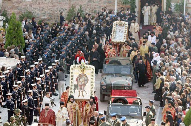 Σύγχυση με τις λιτανείες: Θα πραγματοποιούνται άνευ συνωστισμού, απαντά η Εκκλησία | tanea.gr