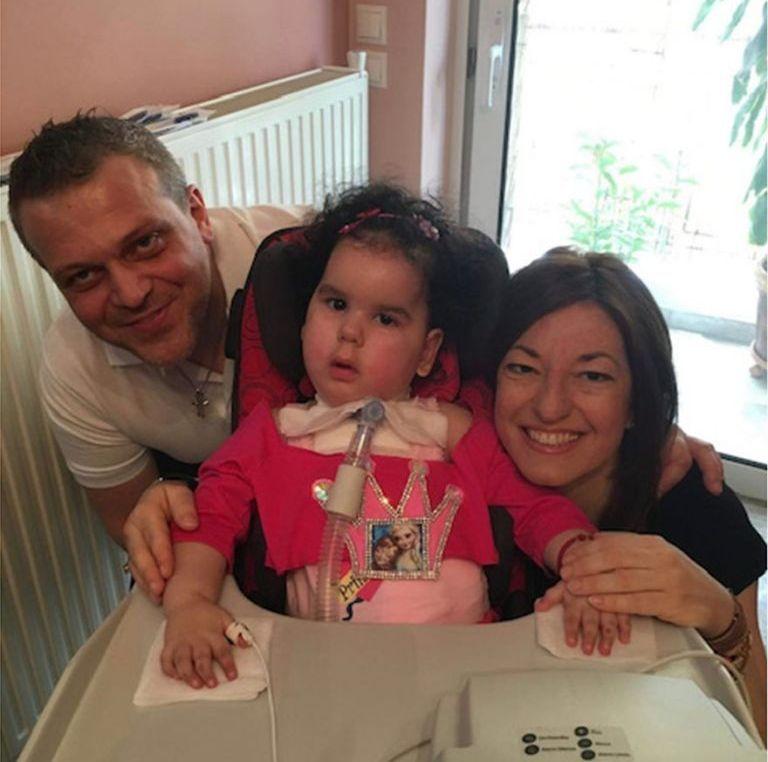 Δραματική έκκληση βοήθειας για τη μικρή Μιχαέλα – Γαβριέλα   tanea.gr