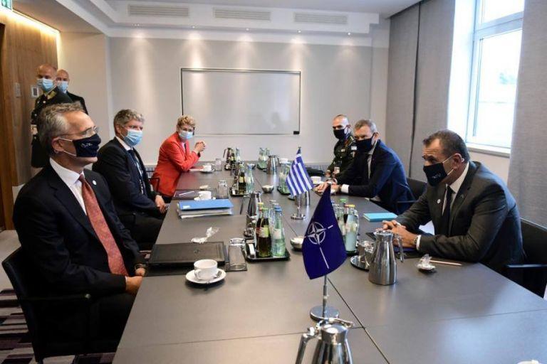 Παναγιωτόπουλος σε Στόλτενμπεργκ: «Επιζήμια για την Ελλάδα και το ΝΑΤΟ η πολιτική των ίσων αποστάσεων» | tanea.gr