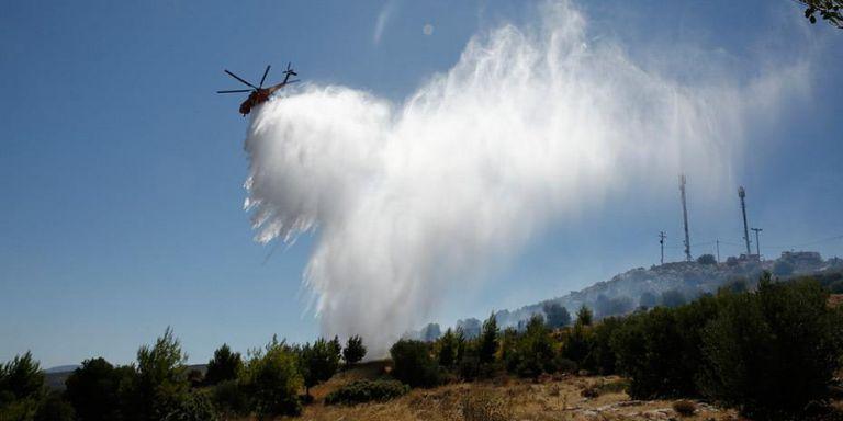 Ικαρία: Ενισχύθηκαν οι πυροσβεστικές δυνάμεις – Εκκενώθηκαν το βράδυ οικισμοί | tanea.gr