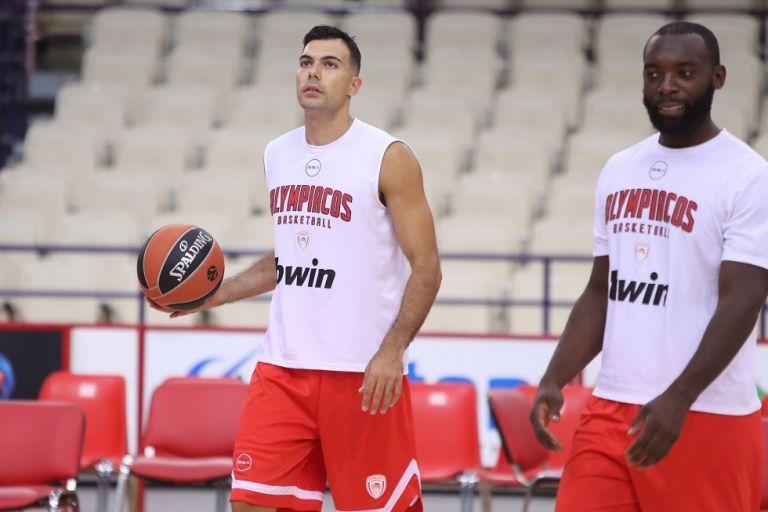 Ολυμπιακός: Σα να μην πέρασε μία μέρα…   tanea.gr