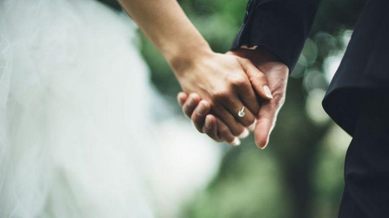 Θεσσαλονίκη: Πάνω από τα 20 κρούσματα από τον γάμο στους Αμπελόκηπους | tanea.gr