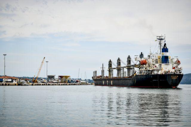 Φωτιά σε ελληνικό φορτηγό πλοίο στην Αραβική θάλασσα – Νεκρός ναυτικός | tanea.gr